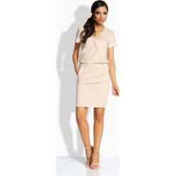 Sukienki: Elegancka sukienka z dekoltem v beżowy