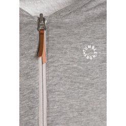 Tumble 'n dry FERRYN Kurtka z polaru snow white. Białe kurtki chłopięce marki Tumble 'n dry, z materiału. W wyprzedaży za 156,75 zł.