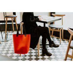 Torebka filcowa koralowa. Pomarańczowe torebki klasyczne damskie Pakamera, z wełny. Za 299,00 zł.