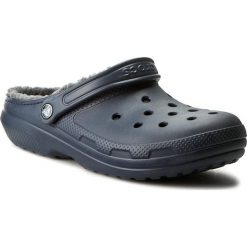 Klapki CROCS - Classic Lined Clog 203591 Navy/Charcoal. Niebieskie klapki męskie marki Crocs, z syntetyku. W wyprzedaży za 169,00 zł.