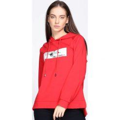 Czerwona Bluza Crush Me Fine. Czarne bluzy sportowe damskie marki DOMYOS, z elastanu. Za 79,99 zł.