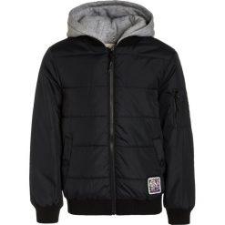 Rip Curl Kurtka zimowa black. Czarne kurtki chłopięce zimowe marki Rip Curl, z materiału. W wyprzedaży za 303,20 zł.
