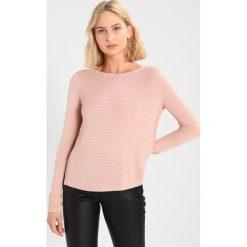 Swetry klasyczne damskie: ICHI RILLO  Sweter rose dust