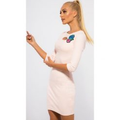 Sukienki hiszpanki: Bladoróżowa Sukienka z Haftem 3331