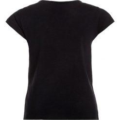 IKKS Tshirt z nadrukiem navy. Niebieskie t-shirty damskie IKKS, z nadrukiem, z bawełny. Za 159,00 zł.