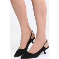 Czarne Sandały Fetch Away. Czarne sandały damskie marki Born2be, z materiału, na wysokim obcasie, na obcasie. Za 89,99 zł.