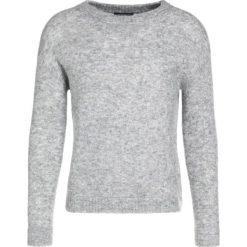 Swetry klasyczne damskie: Bruuns Bazaar ALMA Sweter grey