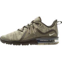 Nike Performance AIR MAX SEQUENT 3 PREMIUM Obuwie do biegania treningowe medium olive/beach/neutral olive/sequoia. Zielone buty do biegania męskie marki Nike Performance, z materiału. Za 459,00 zł.