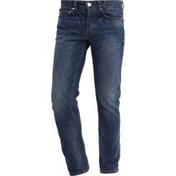 New Look INDIGO WASH SLIM Jeansy Slim Fit bright blue. Czarne rurki męskie marki New Look, z materiału, na obcasie. Za 169,00 zł.