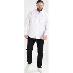 S.Oliver RED LABEL Koszula white. Białe koszule męskie marki s.Oliver RED LABEL, m, z bawełny. W wyprzedaży za 161,10 zł.