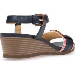 Sandały GEOX D MARYKARMEN. Białe sandały damskie marki Geox, ze skóry. Za 249,90 zł.