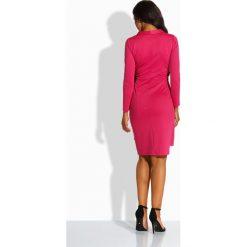 Kobieca kopertowa sukienka fuksja VERONIQUE. Czerwone długie sukienki marki Lemoniade, na imprezę, z satyny, z kopertowym dekoltem, z długim rękawem, kopertowe. Za 139,00 zł.