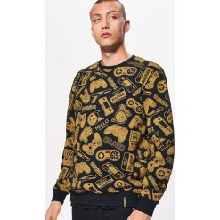 Bluza all over z kolekcji GAMERS - Czarny. Czarne bluzy męskie rozpinane Cropp, l. Za 99,99 zł.