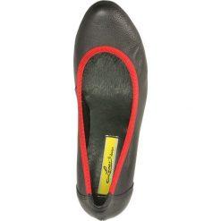 CZÓŁENKA LEMAR 165. Szare buty ślubne damskie Casu, na koturnie. Za 209,99 zł.