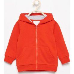 Bluza z kapturem - Czerwony. Czerwone bluzy niemowlęce marki Reserved, z kapturem. Za 24,99 zł.