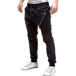 SPODNIE MĘSKIE DRESOWE P184 - CZARNE. Zielone spodnie dresowe męskie marki Ombre Clothing, na zimę, m, z bawełny, z kapturem. Za 49,00 zł.