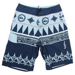 Boardshorty w kolorze niebieskim. Niebieskie kąpielówki męskie marki Burton Menswear London. W wyprzedaży za 119,00 zł.