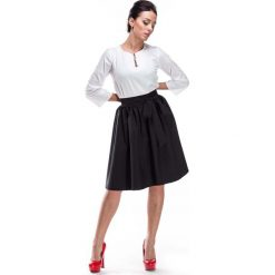 Biała Bluzka z Ozdobnym Dekoltem. Białe bluzki damskie Molly.pl, l, z tkaniny, biznesowe, z długim rękawem. Za 99,90 zł.