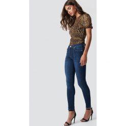 NA-KD Jeansy Skinny Mid Waist Front Panel - Blue. Niebieskie jeansy damskie skinny NA-KD. Za 141,95 zł.