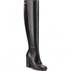 Muszkieterki CARINII - B4605 E50-000-PSK-C00. Czarne buty zimowe damskie marki Carinii, z materiału, na obcasie. W wyprzedaży za 429,00 zł.