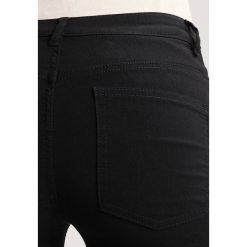 Only Petite ONLNEW GOGO TWISTED  Jeansy Slim Fit black. Czarne rurki damskie Only Petite, petite. Za 169,00 zł.
