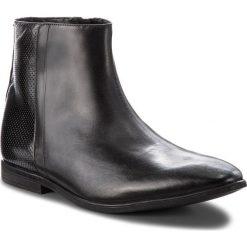Kozaki CLARKS - Bampton Hi 261354047 Black Leather. Czarne botki męskie Clarks, z materiału. W wyprzedaży za 299,00 zł.