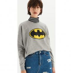 Bluza Batman - Jasny szar. Szare bluzy damskie Sinsay, l, z motywem z bajki. Za 49,99 zł.