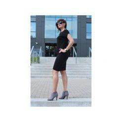 Sukienka klasyczna mała czarna. Czarne sukienki balowe Szarymary, na lato, xxl, z bawełny, z klasycznym kołnierzykiem, ołówkowe. Za 109,00 zł.