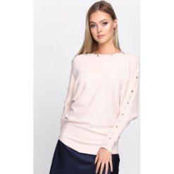 Jasnoróżowy Sweter New Time. Szare swetry klasyczne damskie Born2be, m, z dzianiny, z dekoltem w łódkę. Za 59,99 zł.