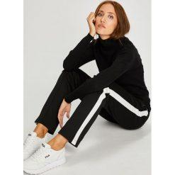 Calvin Klein Jeans - Sweter. Szare golfy damskie Calvin Klein Jeans, m, z dzianiny, z krótkim rękawem. Za 359,90 zł.