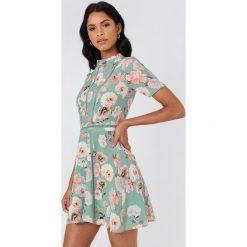 Sukienki hiszpanki: FWSS Sukienka Henrietta – Multicolor