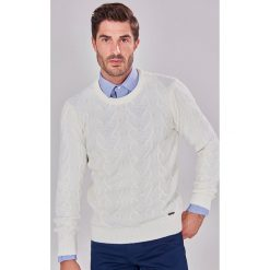 Swetry męskie: Sweter w kolorze kremowym