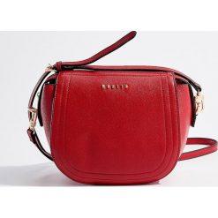 Torebka z odpinanym paskiem - Czerwony. Czerwone torebki klasyczne damskie marki Reserved, duże. Za 89,99 zł.