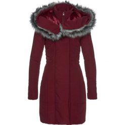 Płaszcz ze sztucznym futerkiem bonprix czerwony klonowy. Czerwone płaszcze damskie z futerkiem bonprix. Za 239,99 zł.