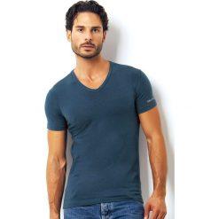 Męski bawełniany T-shirt włoskiej produkcji Enrico Coveri ET1501 Avio. Białe podkoszulki męskie marki B'TWIN, m, z elastanu, z krótkim rękawem. Za 45,00 zł.