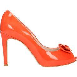 Czółenka OLIVIA. Czerwone buty ślubne damskie Gino Rossi, z lakierowanej skóry, na wysokim obcasie, na szpilce. Za 99,90 zł.