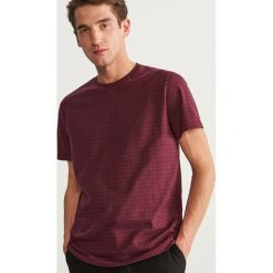 T-shirt w kropki - Bordowy. Niebieskie t-shirty męskie marki Reserved. Za 49,99 zł.