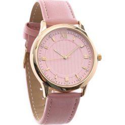 Różowy Zegarek Conventional. Czerwone zegarki damskie Born2be. Za 24,99 zł.