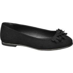 Baleriny damskie Graceland czarne. Czarne baleriny damskie zamszowe marki Graceland, z aplikacjami, na obcasie. Za 55,00 zł.