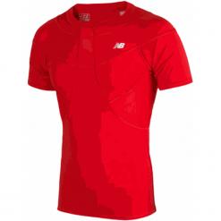Koszulka kompresyjna - MT710135HRD. Czerwone koszulki do piłki nożnej męskie marki New Balance, na jesień, m, z elastanu. W wyprzedaży za 129,99 zł.