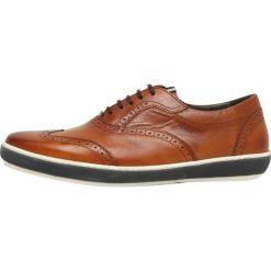 Floris van Bommel Sznurowane obuwie sportowe cognac. Brązowe buty skate męskie Floris van Bommel, z materiału, na sznurówki. Za 929,00 zł.