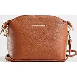 Torebka na ramię z odpinanym paskiem - Bordowy. Czerwone torebki klasyczne damskie marki Reserved, duże. Za 99,99 zł.