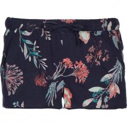 Szorty piżamowe w kolorze granatowym. Białe piżamy damskie marki LASCANA, w koronkowe wzory, z koronki. W wyprzedaży za 40,95 zł.