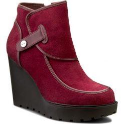 Botki CALVIN KLEIN JEANS - Severine R3514 Oxblood. Czerwone buty zimowe damskie marki Calvin Klein Jeans, z jeansu, na obcasie. W wyprzedaży za 319,00 zł.