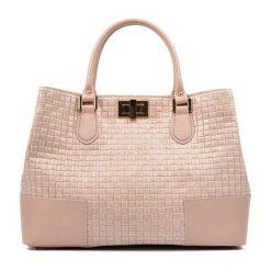 Torebki klasyczne damskie: Skórzana torebka w kolorze pudrowym – (S)27 x (W)38 x (G)15 cm