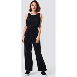 Spodnie damskie: NA-KD Trend Szerokie spodnie - Black