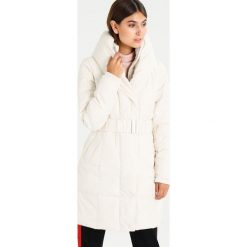 Wallis RACHEL Płaszcz zimowy white. Białe płaszcze damskie pastelowe Wallis, na zimę, z materiału. W wyprzedaży za 374,25 zł.