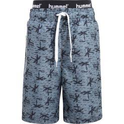 Hummel BUTCH SWIMPANTS  Szorty kąpielowe multi colour boys. Szare kąpielówki chłopięce marki Hummel, z materiału. Za 189,00 zł.