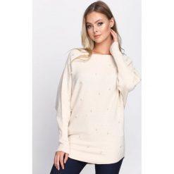 Beżowy Sweter Lead Me. Brązowe swetry klasyczne damskie Born2be, m, z dzianiny, z dekoltem w łódkę. Za 64,99 zł.