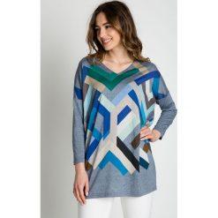 Kolorowa bluzka z dekoltem w szpic BIALCON. Niebieskie bluzki asymetryczne BIALCON, w kolorowe wzory, z tkaniny. Za 99,00 zł.